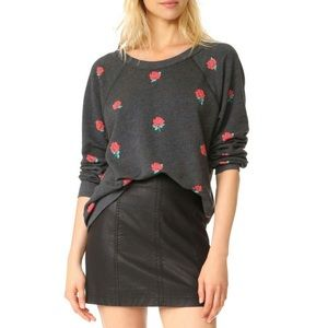 WILDFOX roses 🌹 sweater size M